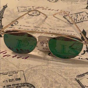 Nwt stylish sunglasses